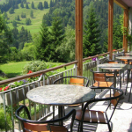 Sonnenterrasse im Kientalerhof in der Schweiz