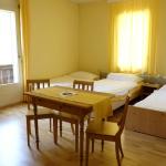 Freundliches Mehrbettzimmer im Kientalerhof